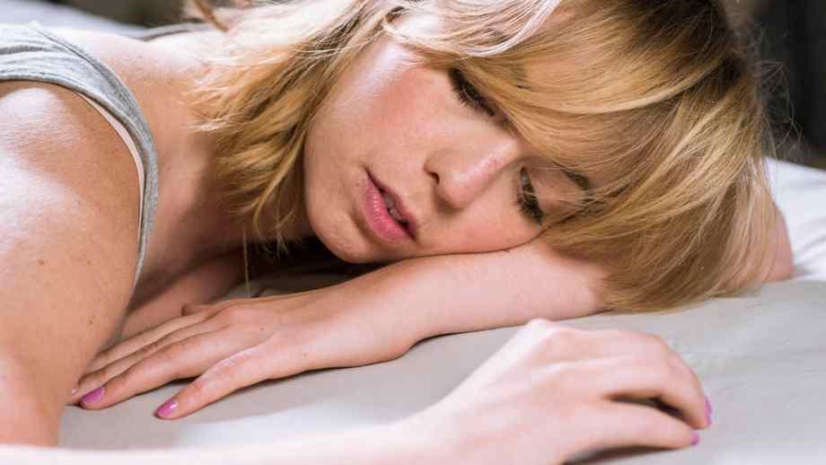 Sleeping with makeup :How Bad is Sleeping with Makeup?